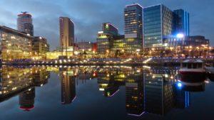 Manchester Media city. Wat vroeger de haven van Manchester was, is nu een groeipool van creatieve industrie.