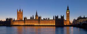 Westminster palace. Mooi van buiten, vervallen van binnen