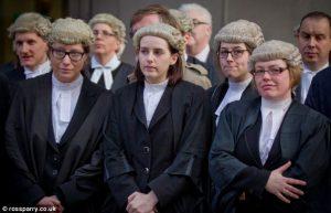 over barristers, lawyers en soclictors
