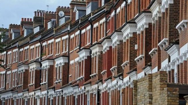 Uk house prices increasing by 4.4% in 2017