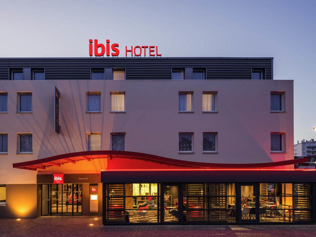 Zowel in België als in Engeland worden IBIS Hotelkamers te koop aangeboden. Onder totaal verschillende voorwaarden.